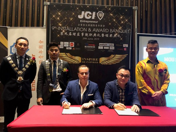 100 Series Live Pitching Strategic Collaboration Between BRAND 21, PR EXTRAORDINARY MANAGEMENT with JCI ENTREPRENEUR CHAPTER KL