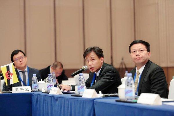 网龙首席执行官熊立到会我国 -- 东盟区域银企协作研讨会