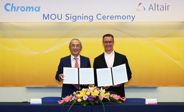Leo Huang, Chairman & CEO of Chroma (L) and Brett Chouinard, President & COO of Altair (R) signed the strategic cooperation MOU on July 16th, 2019.