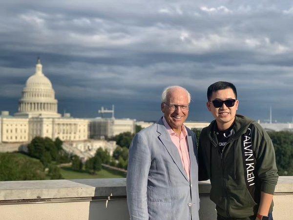 贾凡拜访美国国会议员 Christopher Shays