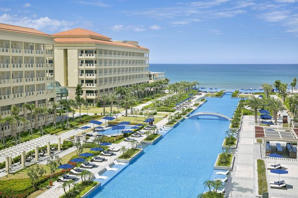 Sheraton Danang Grand Resort Wins Stella Award for Best Meetings Hotel in Vietnam
