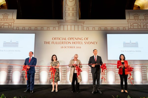 (From left to right) Cavaliere Giovanni Viterale, General Manager, The Fullerton Hotels and Resorts; Ms Dorothy Ng, Executive Director, Far East Organization; Ms Sandra Chipchase, CEO of Destination NSW; Mr Daryl Ng, Deputy Chairman, Sino Group and Ms Jeanne Ng, Director, The Fullerton Heritage, officiated at the opening ceremony of The Fullerton Hotel Sydney.