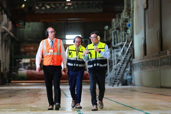 芬兰驻华大使观赏UPM常熟工厂,讨论中芬可继续森林工业开展