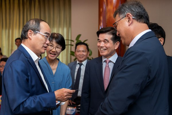 South Korea's KT Corporation accompanies the Green Economic Institute to develop smart cities in Vietnam