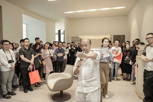 "DIMENSIONE CHI WING LO品牌创始人、美国哈佛大学建筑系硕士、香港""DFA世界杰出华人设计师""卢志荣先生"