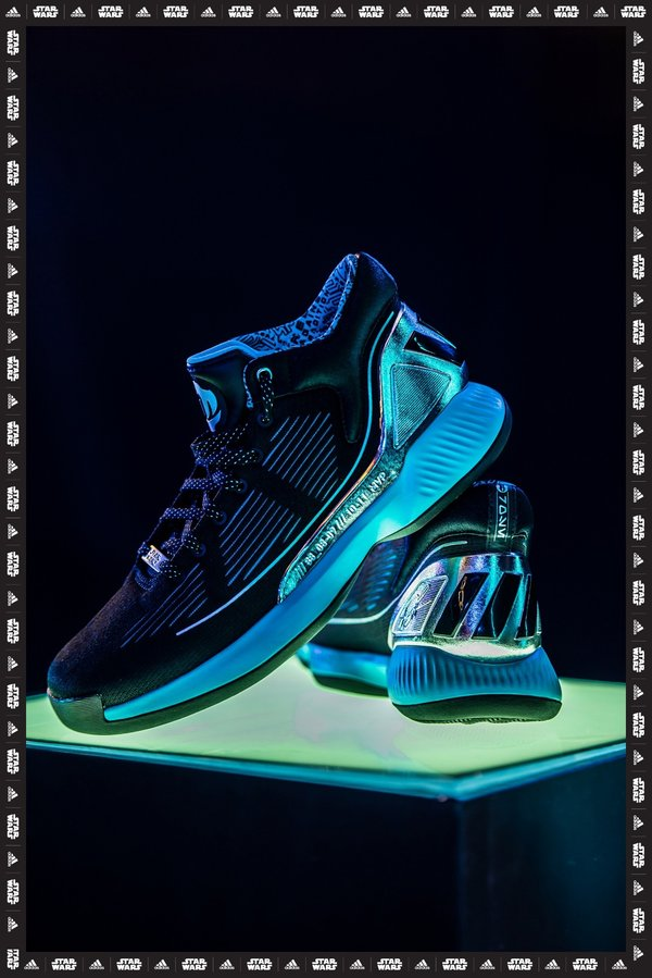 现场陈列的adidas D Rose 10 Star Wars Pack