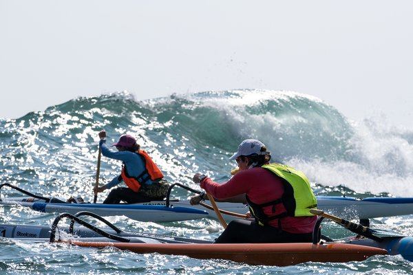 World's elite paddlers make Splash at Steelcase Dragon Run 2019 over 21KM of water between Clearwater Bay and Stanley in Hong Kong.
