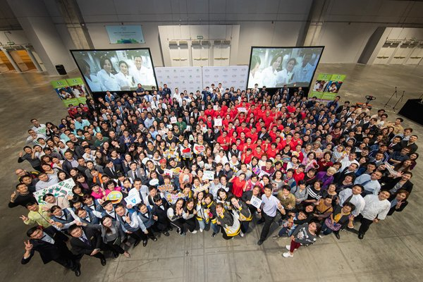 Around 350 Sands China team members and members of the Macao community join together Friday at The Venetian Macao to build 40,000 hygiene kits for the Las Vegas Sands 2019 Global Disaster Relief & Community Preparedness Event with Clean the World.