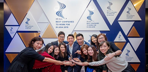 "Under CY's leadership, HKBN Talent Engagement team has won numerous international awards in recognition of HKBN's innovative Talent development and engagement initiatives. The picture captures the team celebration moments after winning an HR Asia Award 2019 for among the ""Best Companies To Work For In Asia""."