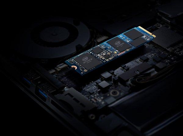 2019年4月,英特尔推出了傲腾H10混合式固态盘。这款产品将英特尔傲腾技术的卓越响应速度和英特尔QLC 3D NAND技术的强大存储容量融为一体,采用M.2规格。