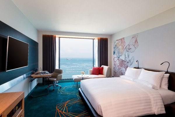 Deluxe King Room with Seaview