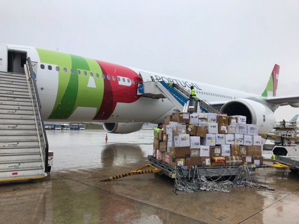 Fosun Chartered Flight to Portugal, Over One Million pieces of Masks and Detection Kits arrive Lisbon