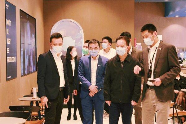 广东团省委副书记梁均达了解BEEPLUS的创新空间载体