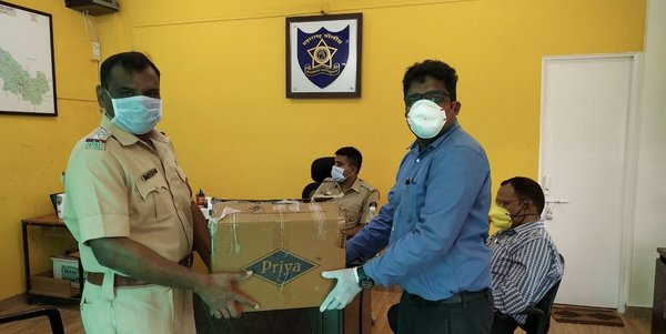 Hengtong India distributed face masks and hand sanitiser kits to the police officers