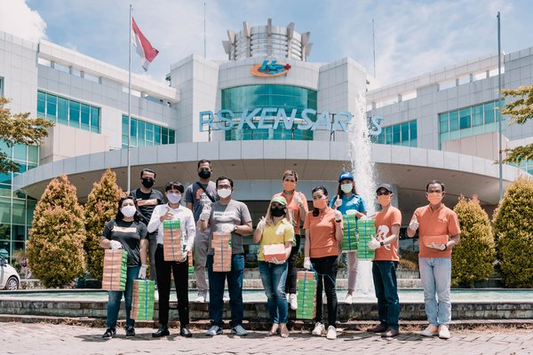 TAUZIA Hotels is working to support the medical professionals and hospital workers with distribution of ready-to-eat meals to selected hospitals across Indonesia.