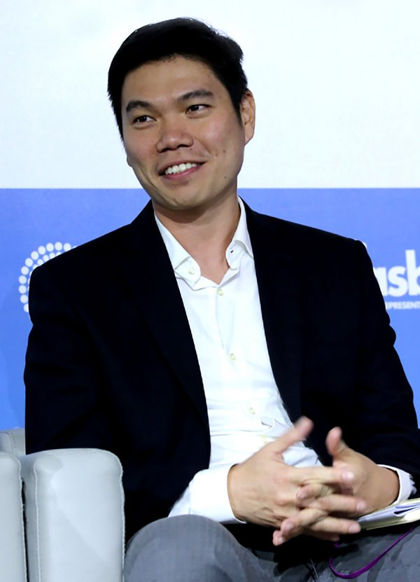 Singapore Diplomat Turned Global Tech Executive: iQIYI Appoints Kuek Yu-Chuang as Vice President in Overseas Market Push