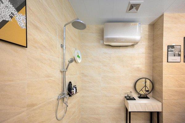 PConline评测:A.O.史密斯薄型速热电热水器  匠心体验时尚风