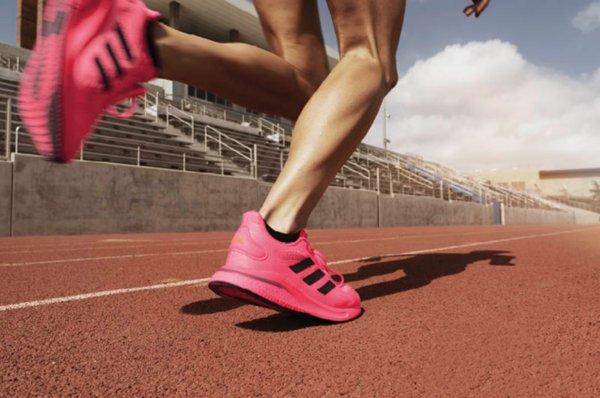 阿迪达斯推出新款跑鞋,激励运动爱好者们再战一年,重返赛场