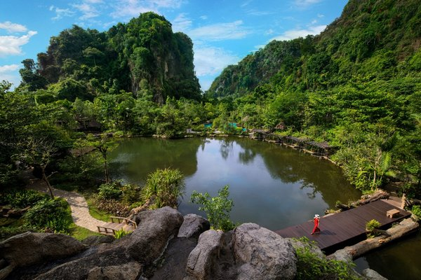 The Banjaran Hotsprings Retreat is encircled by natural caves, geothermal hot springs and pristine jungle