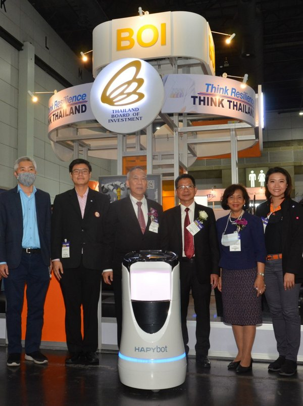 Thailand Board of Investment's senior executives Mr. Chanin Khaochan (standing third from the right) and Ms. Sonklin Ploymee (second from the right) and members of the Thai Subcontracting Promotion Association met with exhibitors and international buyers last week at SUBCON THAILAND 2020, ASEAN's largest industrial subcontracting and business matching event at BITEC Bangna, Bangkok.