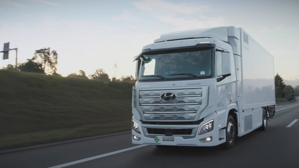 Hyundai Motor Launches XCIENT Fuel Cell Truck at Digital Event